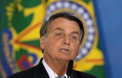 Agenda de Bolsonaro está suspensa por ao menos 48 horas, diz ministro das Comunicações