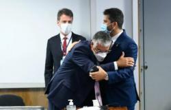 Senador Marcos Rogério aparece na CPI da Covid com Rolex de R$ 108 mil, aponta jornalista