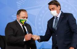Bolsonaro defende Pazuello: inventaram corrupção por pensamento