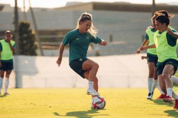 Seleção feminina trabalha parte ofensiva antes de estreia contra a China nos Jogos Olímpicos
