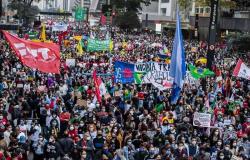 Centrais sindicais, partidos e movimentos sociais convocam para ato contra Bolsonaro no dia 24