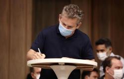 Em Barra do Garças, governador assina convênio para reforma e ampliação do hospital municipal
