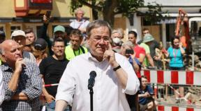 Aspirante a suceder Merkel recebe críticas por gestão das inundações