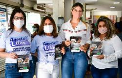 Equipe da Secretaria da Mulher percorre estações em ação de conscientização sobre a lei 'Parada Segura'