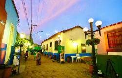 Beco do Candeeiro recebe feira livre e gastronômica, Van do Sine da Gente e atrações culturais