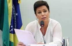 Cristiane Brasil cobra Bolsonaro nas redes após prisão do pai: 'o bonito não faz nada?'