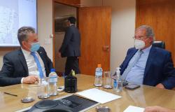 Governador articula financiamento de R$ 950 milhões para a Educação e Agricultura Familiar de MT