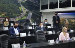 Câmara aprova projetos e parecer na sessão ordinária desta terça