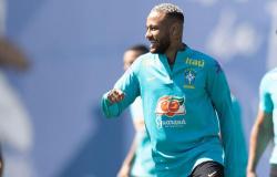 Neymar rebate comentários sobre peso: 'Vou pedir camisa M no próximo jogo'