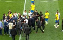 Anvisa invade campo e interrompe Brasil x Argentina para tirar 'ingleses