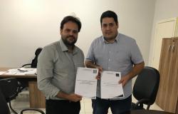 Hospital de Alto Araguaia recebe novos equipamentos com emenda do deputado Claudinei