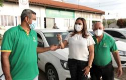 Gestão Emanuel Pinheiro entrega mais nove veículos para unidades socioassistenciais da capital