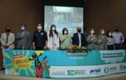 Ministra Damares lança programa social em visita a Cuiabá