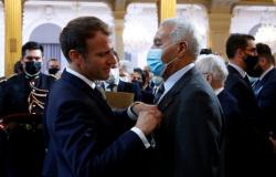 Macron pede perdão aos harkis em nome da França e promete repara