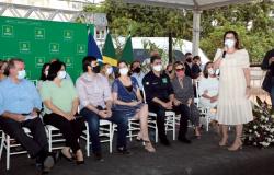 """""""Terão orgulho de nascer mulher em Cuiabá"""", afirma secretária ao destacar o trabalho de valorização e proteção pela Prefeitura; Ministra Damares Alves"""