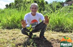 Ação em comemoração ao Dia da Árvore é realizado nesta terça-feira (21)
