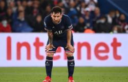 Messi sofre lesão no joelho, não enfrenta o Metz e passa a ser dúvida para duelo com o Manchester City