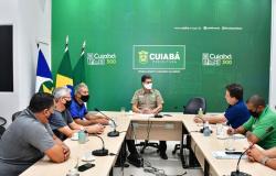 Prefeito recebe moradores do residencial Ana Maria; Local será beneficiado com a implantação do Contorno Leste
