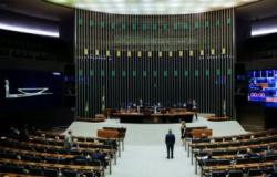 Comissão especial da Câmara aprova texto-base da reforma administrativa