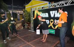 Prefeitura leva serviços de saúde, acolhimento e programação cultural em alusão ao Setembro Amarelo para o Beco do Candeeiro