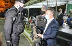 Governador participa de troca de comando do Bope e entrega novos fuzis à snipers da PM