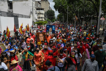 Espanha 'ofende memória' da América Latina ao celebrar 12 de outubro, critica Maduro