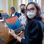 hauahuahauhauhauahhauhauahuahuahauhuDeputada quer que ALMT e AMM assinem protocolo de intenção com laboratório para compra de vacinas, a exemplo do Rio Grande do Sul