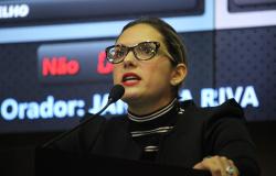 Janaina Riva - Entrevista ao Vivo na Rádio Assembleia | 13.06.2016