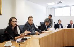 CFAEO reprova contas do ex-governador Pedro Taques