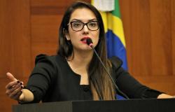 'Não podemos perder a esperança', diz Janaina Riva após aprovação da PEC da Previdência em 1ª votação