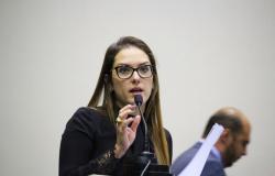 Deputada defende adiamento da abertura da pesca e diz é um crime finalizar a piracema com desova incompleta