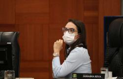 Janaina Riva vota por derrubada de veto do governo ao PLC 36 e continua na luta pelos aposentados