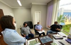 Deputada e vereadores de Sorriso buscam melhorias para a saúde do município junto ao governo
