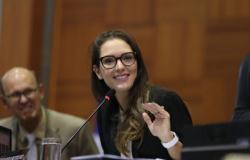 Deputada comemora isenção de aposentados com doenças raras de contribuição de 14% à previdência