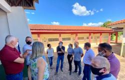 Deputada e secretário percorrem escolas do Vale do Arinos para traçar diagnóstico e melhorar estrutura