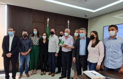 Governador assina autorização de repasses para asfaltamento do bairro Cruzeiro do Sul, em Juara
