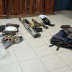 hauahuahauhauhauahhauhauahuahuahauhuPolícia Rodoviária Federal prende dupla com fuzis, explosivos e carro roubado em Ji-Paraná.