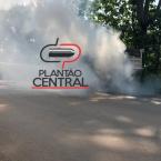 Caminhão  pega fogo após pneu estourar