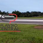 hauahuahauhauhauahhauhauahuahuahauhuVeja video! Avião  com ex Deputado Airton Gurgacz faz aterrisagem forçada  no Aeroporto  em Ji-Paraná