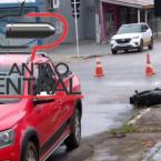 Motociclista é  socorrido após colidir em Pick up que avançou a preferencial