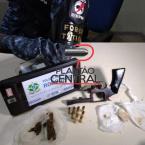 hauahuahauhauhauahhauhauahuahuahauhuForça Tática prende apenado armado com revólver  e  drogas