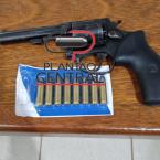 hauahuahauhauhauahhauhauahuahuahauhuPolícia Cívil desmantela laboratório de droga avaliado em 40 mil reais e prende traficante com arma de fogo