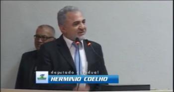 Deputado Hermínio Coelho indignado com pouco caso do Governador Confúcio Moura, com Profissionais da Educação, confira vídeo.