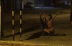 Vídeo! Internautas flagram duas pessoas fazendo sexo na madrugada desta segunda feira em Ji-Paraná.