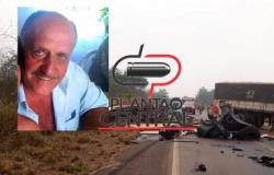 Motorista de 75 anos morre após  colidir em carreta carregada de milho na BR 364