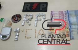 Polícia Militar prende dois Jovens  por tráfico de drogas