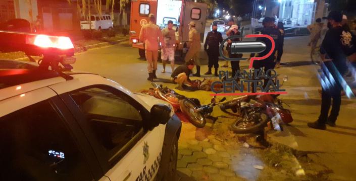 Motociclista é socorrido  em estado grave após  colisão entre motocicletas