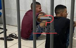 Policia Militar  prende dupla após  roubarem motocicleta