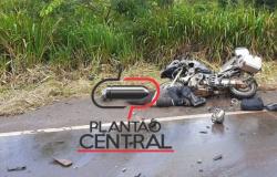 Vídeo! Médico Veterinário morre após  colidir a motocicleta que pilotava em carreta na BR 364
