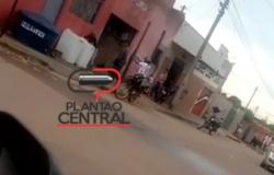 Vídeo! Homem  é  morto a tiros  com própria arma, após fugir de acidente de trânsito e ameaçar envolvido